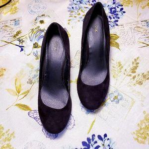 Black Faux Suede APT9 Wedge platform Heels